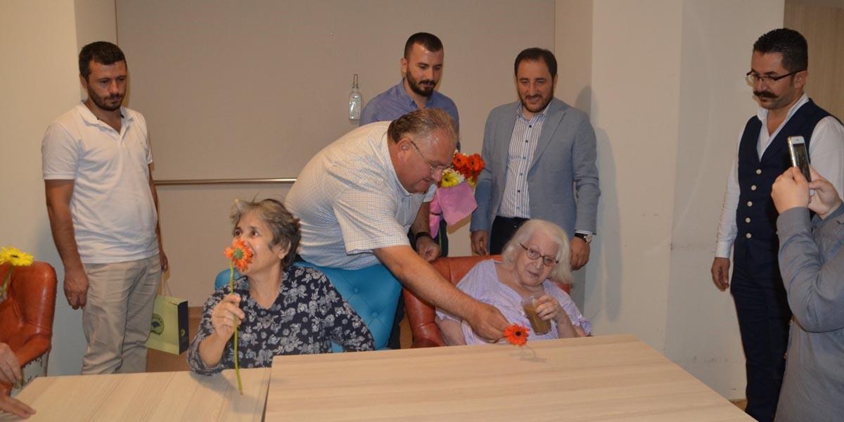 Yaşlı Bakım Merkezini Ziyaret Ettik
